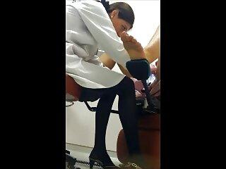 مرد نقابدار ترسناک با قدرت یک دختر سکس های جدید برازرس کوچک را سرخ می کند