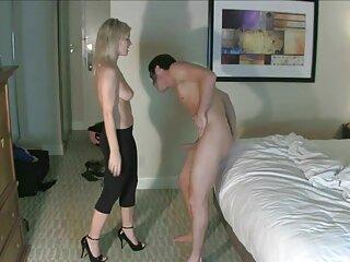 دختر 18 ساله ای که بدون شورت در یک ضبط فیلم های پورن جدید خصوصی ژست می گیرد