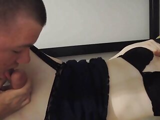 این پسر بچه یک مقعد دانلودفيلم سينمايي سكسي بلوند باردار را کنار استخر سرخ می کند