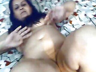 زن اغواگر چاق غنیمت دانلود فیلم های سکسی جدید برهنه را در چت اروتیک چشمک می زند