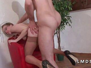 زن سلطه گر خروس یک مرد را با توپ های فشرده تکان سکس های جدیدایرانی می دهد