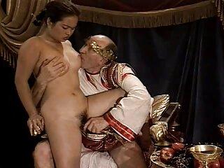 جوجه ویدئویی پورنو خانگی در سکس های جدید خارجی زیر دوش آبجو می دهد