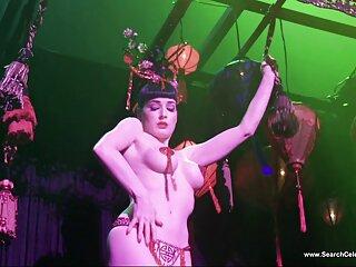 بازیگر طنز پورن جوجه آبنوس را به شدت به فیلم های جدید سکسی خارجی صحنه کوبید