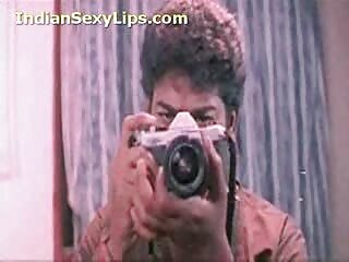 گربه زیبایی Bongacams فیلم سکسی های جدید استمنا می کند و به دوستانش در چت جنسی نوازش لزبین نگاه می کند