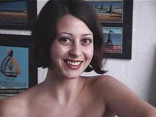 زیبایی حسی با فیلم های سکسی جدید خارجی دهان و بیدمشک پسران را در یک مهمانی جنسی خشنود می کند