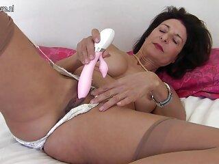 لاتین یک خروس دانلود فیلم های جدید سکسی بزرگ را می مکد و دمار از روزگار می گذارد