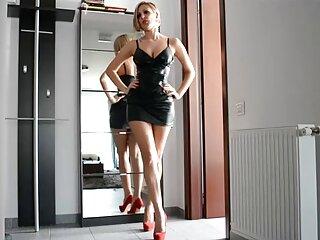 مو بور یک خروس فیلم های جدید سکسی را برای دو نفر امتحان کرد