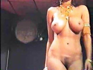 صرفه جویی در خرابکاری ها: فیلم سکسی های جدید دختری خودش را با گوزن هلیوم سرخ می کند