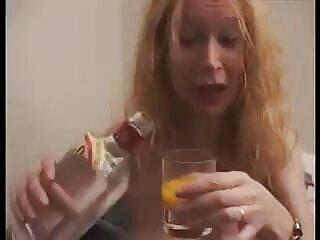 نوجوان لاغر گلو فرو دانلود فیلم های سکسی جدید می کند و سوار خروس می شود